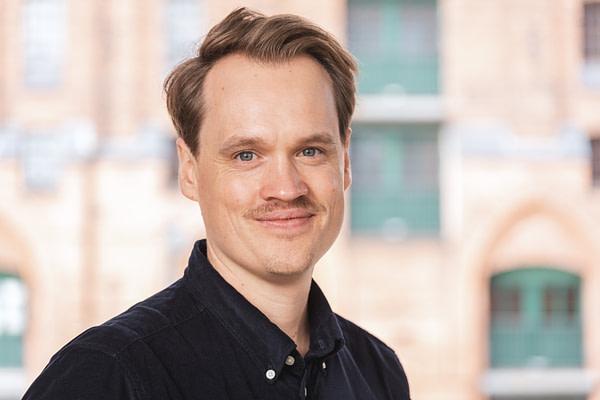 Dr. Eric Eller